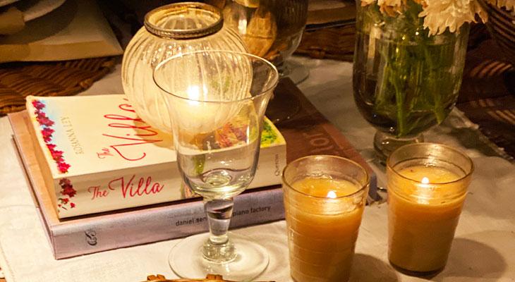 Livros na mesa de inverno - Por Lavinia Francesca